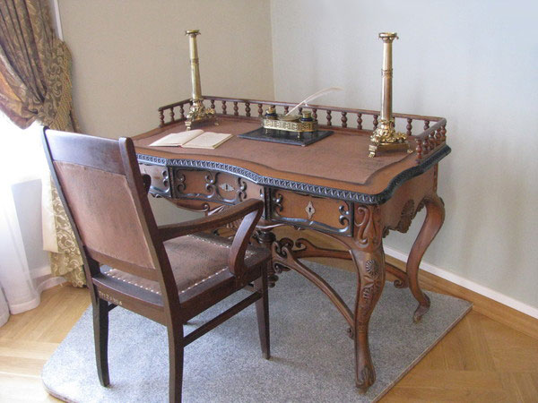 Основные принципы современной реставрации деревянной и фанерованной мебели