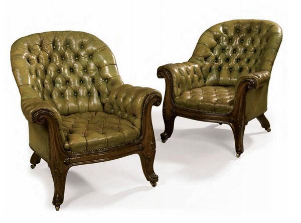 старинные кожанные кресла начала 19 века