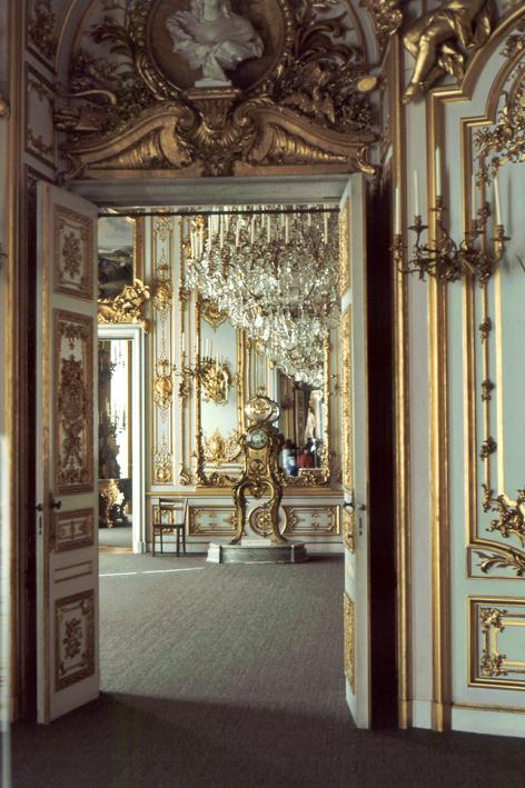 королевский зал в стиле Людовика 14