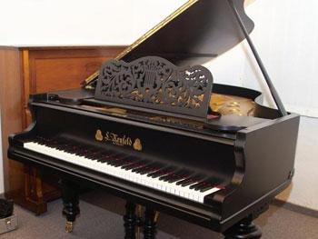старинный рояль