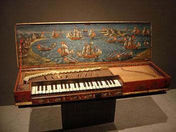 старинный клавикорд